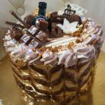Fényes Cukrászda által készített, Unicummal díszített torta.