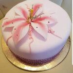 Fényes Cukrászda által készített virágos torta.