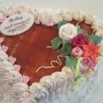 Fényes Cukrászda által készített szív alakú torta.