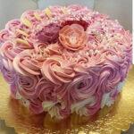 Fényes Cukrászda által készített habos rózsaszín torta.
