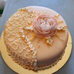 Fényes Cukrászda rózsás torta.